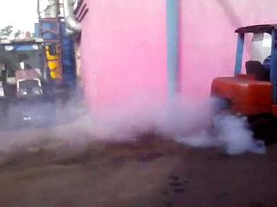 Дым погрузчика